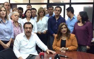El alcalde de Guayaquil acudió a la Fiscalía del Guayas para colaborar en la investigación. Foto: API.