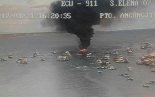 ANCONCITO, Ecuador.- Según reporte del ECU 911, el siniestro no dejó víctimas que lamentar. Foto: Twitter