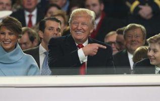Barron Trump (Der) es el hijo menor de Donald Trump, presidente de EE.UU., y la modelo Melania. Foto: EFE