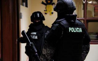 Cientos de agentes de unidades especiales allanaron unos 50 inmuebles. Foto: Twitter Ministerio del Interior.