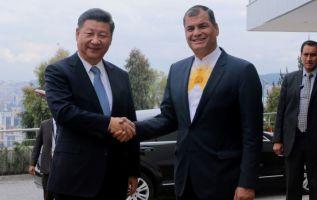 """Durante su visita a Quito en noviembre último, el mandatario chino, Xi Jinping, """"ofreció un crédito de $ 1.000 millones"""". Foto: Archivo / AFP."""