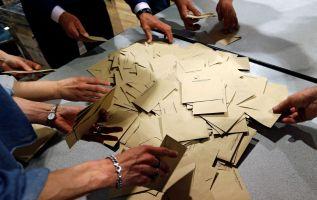 La mayor parte de los colegios electorales abiertos hoy en Francia para la primera vuelta de las presidenciales.