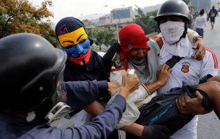 La mayoría de estas manifestaciones degeneró en disturbios y enfrentamientos con las fuerzas de seguridad. Foto: Reuters.