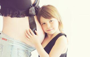 Muchas mujeres suponen que la lactancia actúa como método anticonceptivo y tiene un segundo hijo muy pronto.Foto: Referencial Pexels