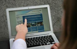 Los hospitales británicos de la red de salud pública fueron los primeros en ser blanco del ataque virtual. Foto: AFP