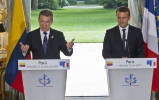 Juan Manuel Santos visitó durante 3 días al presidente de Francia, Emmanuel Macron. Foto: Agencias