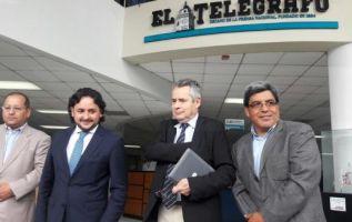 Danilo Silva, asesor de Gerencia; Andrés Michelena, gerente general; Fernando Larenas, directos de El Telégrafo; y Hernán Ramos, gerente Editorial de los Medios Públicos de Ecuador.  Foto: Andes
