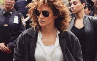 Jennifer Lopez se mostró muy molesta y empujó hacia atrás a la fan. Foto: Instagram