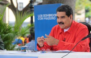 """""""Despacito, ejerce tu voto en vez de las balas y ve con tus ideas siempre en paz y en calma"""", sonaba la versión. Foto: Reuters"""