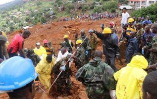 Responsables de la morgue central de Freetown cifraron el número de muertos en 400. Foto: Reuters