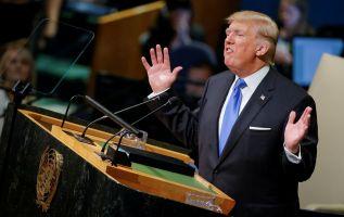 """Cuando Trump calificó a Irán de ser """"un estado rebelde cuyas principales exportaciones son la violencia, el baño de sangre y el caos"""", Chitsaz sólo tradujo """"Irán habla de destruir Israel"""". Foto: Reuters"""