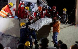 """""""La prioridad en este momento es continuar el rescate de quienes aún se encuentran atrapados y dar atención médica a los heridos"""", declaró Peña Nieto. Foto: Reuters"""