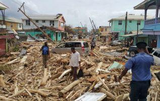 Un equipo de expertos en emergencia de Cruz Roja está de camino a Dominica para asistir a las autoridades de ese país. Foto: AFP