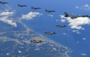 """""""Esta misión es una demostración de la determinación de EEUU"""", afirmó la Portavoz del Pentágono. Foto: Huffington Post"""