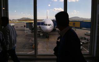 Sandeep Varma publicó en su cuenta de Twitter una grabación hecha desde la cabina de mando de un avión. Foto: Internet