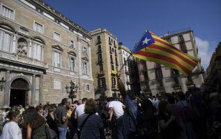 """La sentencia del TC, conocida hoy, reprocha al Parlamento catalán haber dejado a los ciudadanos """"a merced de un poder que dice no reconocer límite alguno"""". Foto: AFP"""