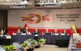 Los presidentes Pedro Pablo Kuczynski de Perú y Lenín Moreno de Ecuador se reunieron en forma privada en un hotel de Trujillo, antes del inicio del XI Gabinete Binacional. Foto: Presidencia