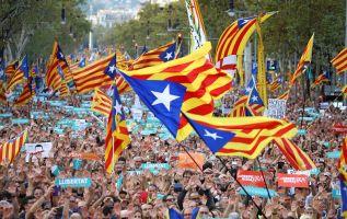"""Puigdemont dijo que pedirá al Parlamento que actúe """"en consecuencia"""" con """"el intento de liquidar nuestro autogobierno y nuestra democracia"""". Foto: Reuters"""