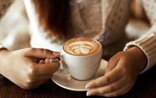 El consumo de dos o tres cafés al día resulta una práctica saludable para proteger las células de la retina. Foto: Internet