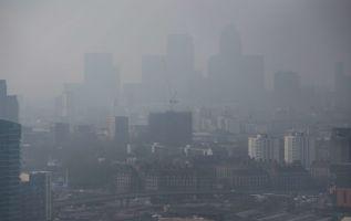 El 27 % de los infartos de miocardio tiene que ver con una exposición al aire contaminado. Foto: Referencial