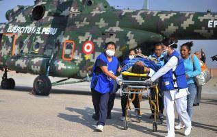 """Los equipos de rescate trabajaron desde la madrugada """"coordinando traslado y atención de heridos"""". Foto: AFP"""
