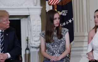 Trump retomó esa idea al día siguiente de una reunión en la Casa Blanca con sobrevivientes de la matanza en una escuela secundaria de Florida. Foto: Reuters