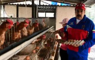 """""""Si Cilia y yo lo hacemos, ¿por qué no lo podemos hacer todos? (...) Aquí estamos trabajando, sí se puede Venezuela"""", insistió Maduro. Foto: captura video"""
