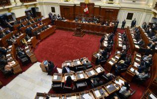 Se resolverá hoy mismo la toma de juramento del vicepresidente, Martín Vizcarra. Foto: AFP