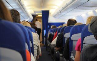 El 57 % de los pasajeros sentados en asientos de ventana permanecieron quietos durante todo el vuelo. Foto: Pixabay
