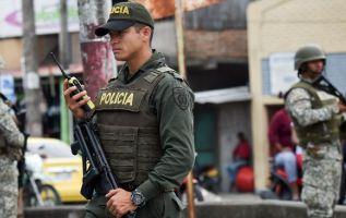 Ecuador tiene entre policías y militares aproximadamente 12 mil uniformados en las tres provincias fronterizas con Colombia. Foto: AFP