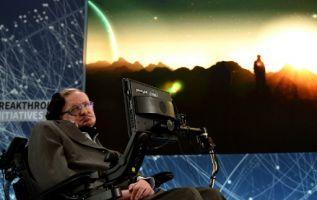 """""""No estamos limitados a un universo único, pero nuestros descubrimientos demuestran que los universos posibles son mucho menos numerosos"""", segun Hawking. Foto: AFP"""