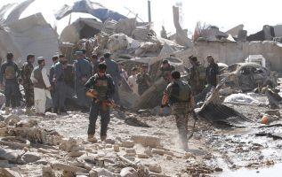 La detonación ocurrió sobre las 12.00 hora local en una tienda de reparación de coches en Kandahar. Foto: Reuters