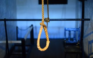 De acuerdo a las OMS, más de 800.000 personas se suicidan cada año. Foto: Pixabay