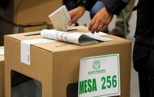 Poco más de 36 millones de electores están convocados a un balotaje sin antecedentes. Foto: AFP