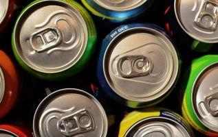 El abuso de bebidas deportivas podría causar severos daños a la salud. Foto: Pixabay