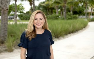 Debbie Mucarsel-Powell es precandidata demócrata a la Cámara de Representantes por Florida.