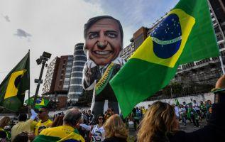 Bolsonaro lidera las intenciones de voto con 28%, según una nueva encuesta. Foto: AFP