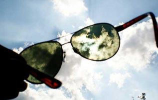 El exceso de exposición al sol puede desencadenar la enfermedad. Foto: Pixabay