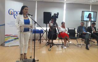 Diana Atamaint comparece en la audiencia pública de oposición. Foto: Twitter CPCCS