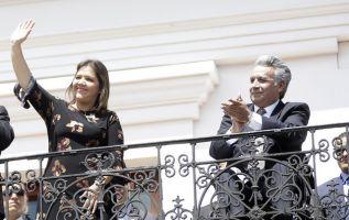 QUITO, Ecuador.- María Alejandra Vicuña junto al presidente Lenín Moreno, en enero de 2018. Foto: Flickr Presidencia.