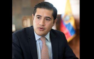 Richard Martínez Alvarado (Loja, 1980). Economista de la PUCE con un MBA del IDE Business School. Fue presidente ejecutivo de la Cámara de Industrias y Producción (CIP), de la Federación Nacional de Cámaras de Industrias del Ecuador, y desde finales de 2015 del Comité Empresarial Ecuatoriano (CEE).