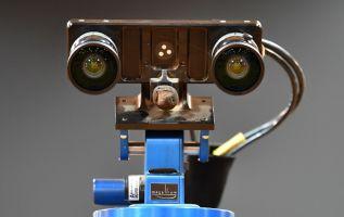 Este pequeño vehículo todo terreno pondrá sus seis ruedas en Marte en 2021. Foto: AFP