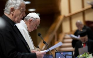 La cumbre oficial, que concluirá el domingo con un discurso final del papa, no tiene previsto adoptar un documento final. Foto: AFP