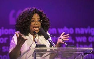 """Winfrey dijo que el abuso sexual es un """"flagelo de la humanidad"""" que trasciende al músico. Foto: AFP"""
