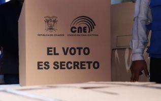 Los cinco integrantes del organismo electoral no lograron definir cómo se realizará el escrutinio de votos nulos.
