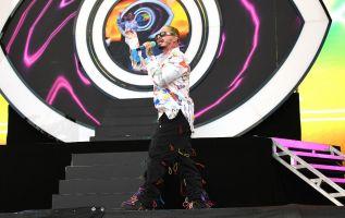 El colombiano J Balvin presentó en el escenario principal del Festival Coachella su singular versión de reggaeton. Foto: AFP.
