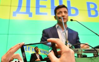 """""""Cuando anuncié que me presentaba a la presidencia, me calificaron de payaso. Soy un payaso y estoy orgulloso de ello"""", afirmó Zelenski en campaña. Foto: AFP."""