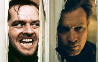 Ewan McGregor, quien interpreta a un Dan adulto cuatro décadas después, mirando a través del enorme agujero en una puerta cortada con un hacha, que devuelve al espectador a las escenas de Nicholson.