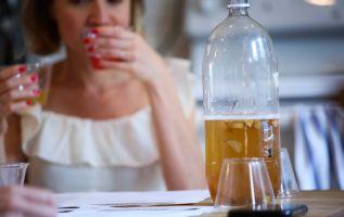 El efecto se debería a la fermentación que involucra a la kombucha. Foto: AFP