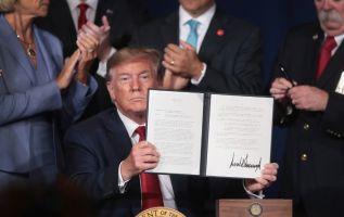 """""""Estamos contemplando el derecho a la nacionalidad por nacimiento muy seriamente"""", dijo Trump. Foto: AFP"""